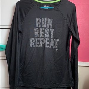 (M) Old Navy Active workout long sleeve